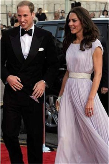 Prens ve Prenses kırmızı halıda